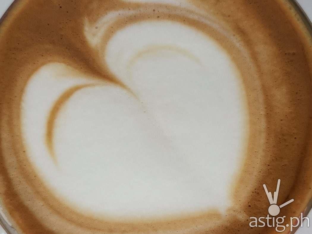 Latte art telephoto - SAMSUNG Galaxy Z Fold3 sample photo