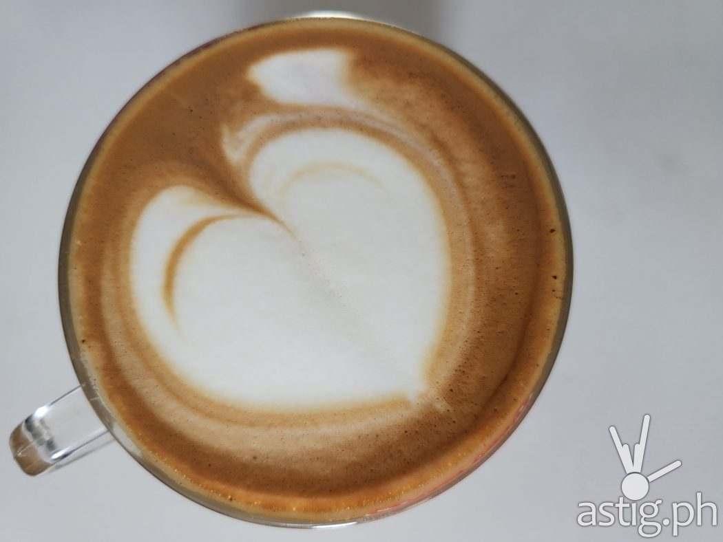Latte art wide - SAMSUNG Galaxy Z Fold3 sample photo